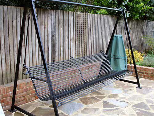 Сделать самому садовые качели из металла своими руками