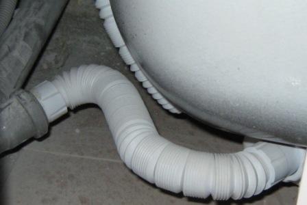 Гофрированная труба для ванной