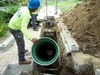 Прокладка труб ПВХ для наружной канализации