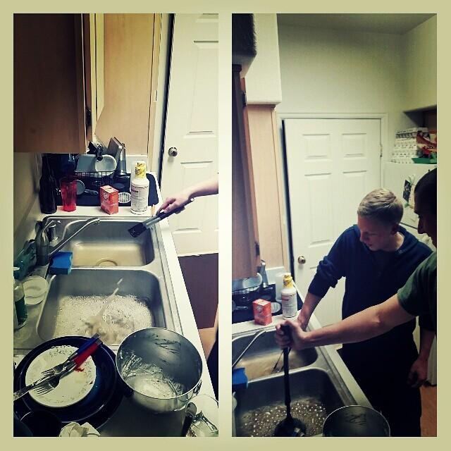 Как прочистить канализационную трубу на кухне