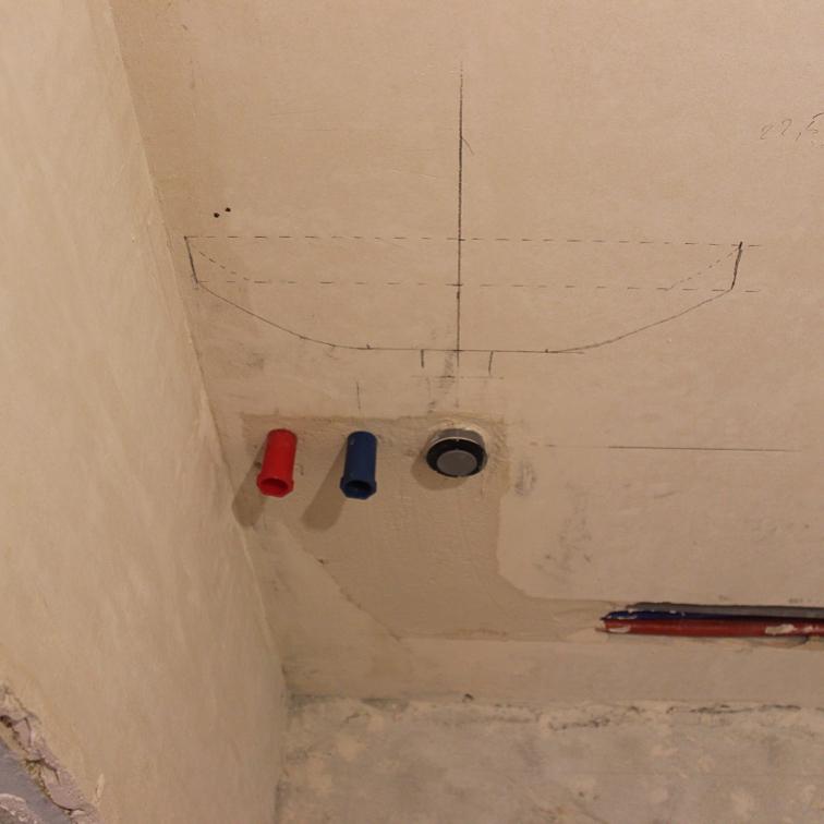 Разметка и прокладка труб в туалете и ванной