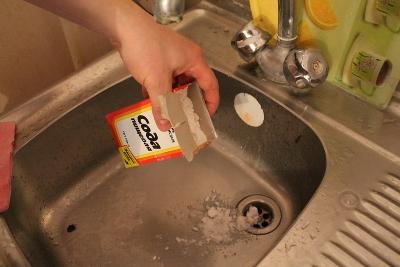 Прочищаем канализацию содой