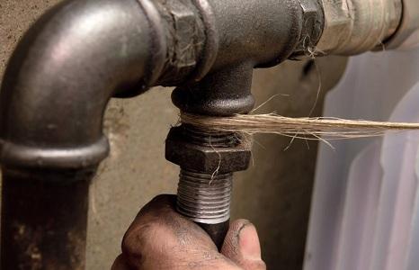 Резьбовой вариант состыковки труб отопления